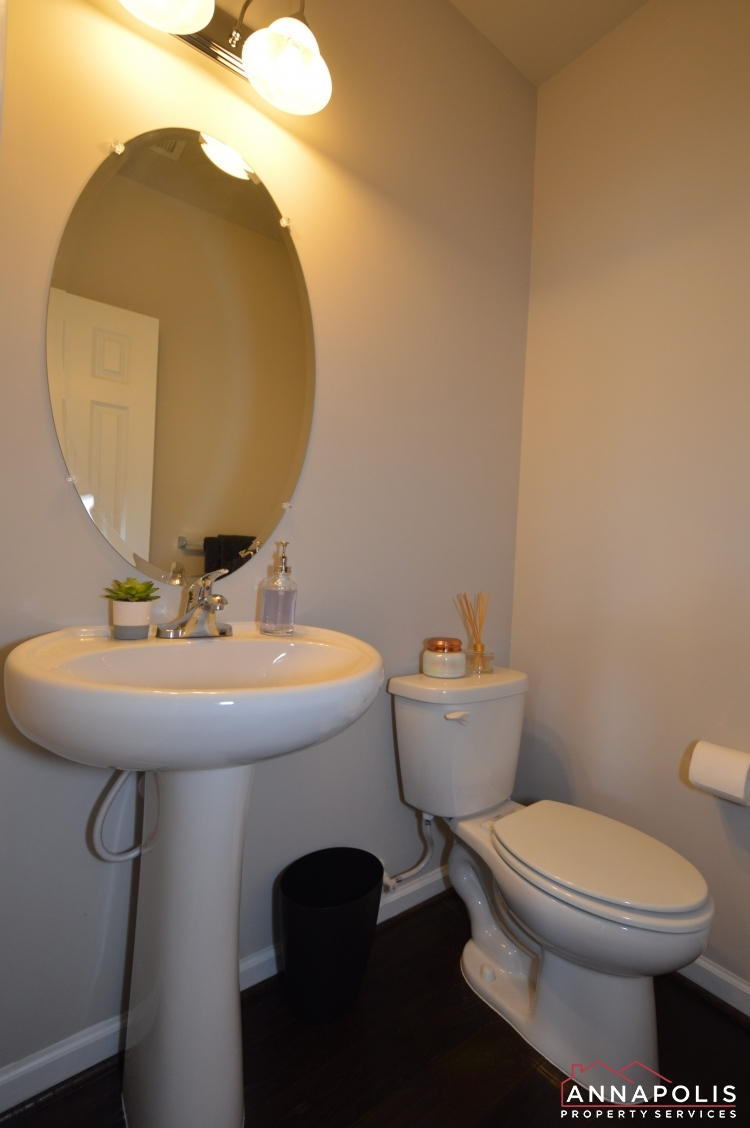 529 Leftwich Lane-Powder room v2.jpg
