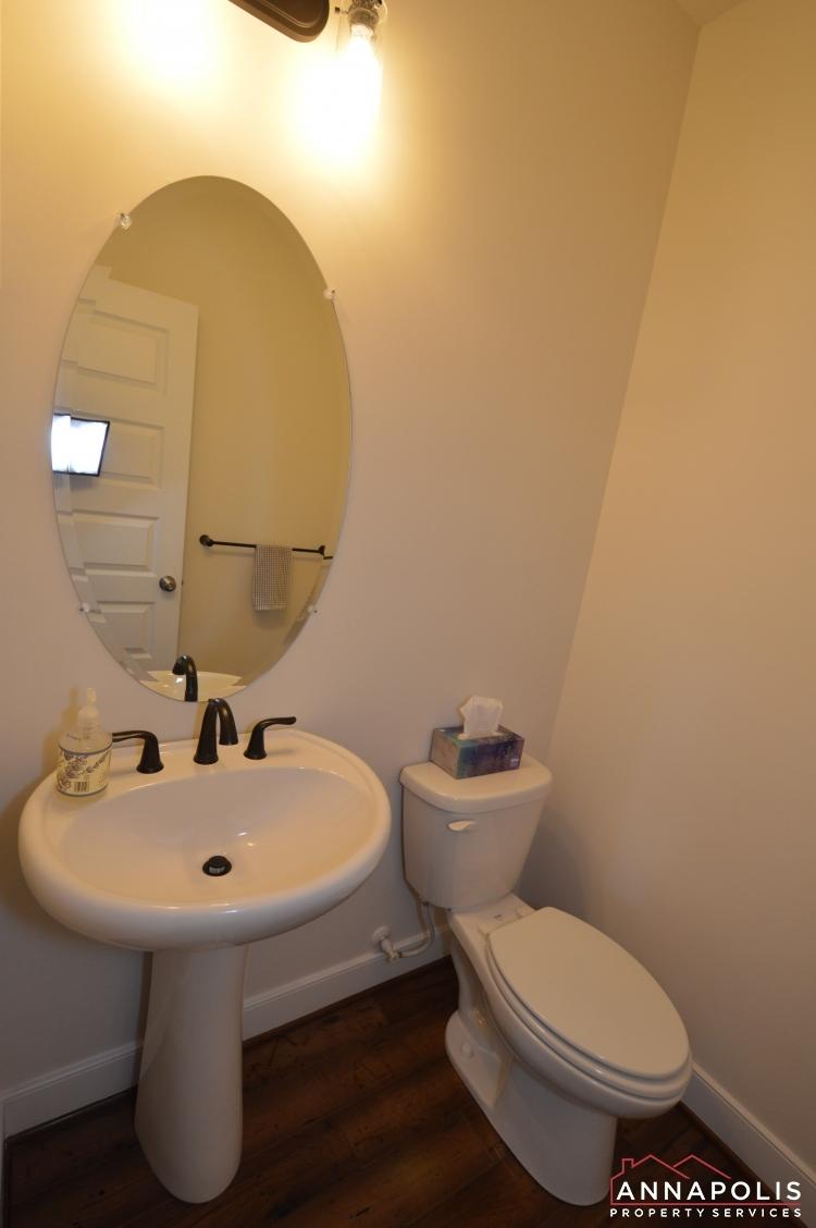 525 Leftwich Lane-Powder room av2.jpg