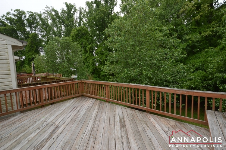 2517 Black Oak Way-Deck bn.JPG