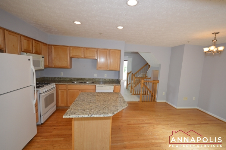 2517 Black Oak Way-KItchen bn.JPG