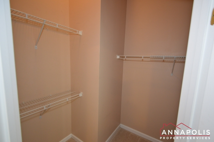 2517 Black Oak Way-Master closet.JPG