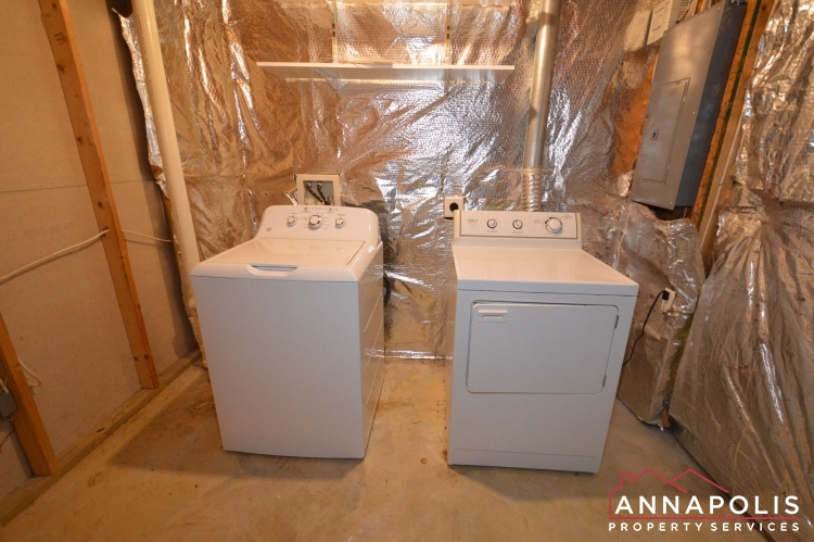 2517 Black Oak Way-Washer and dryer(2).JPG