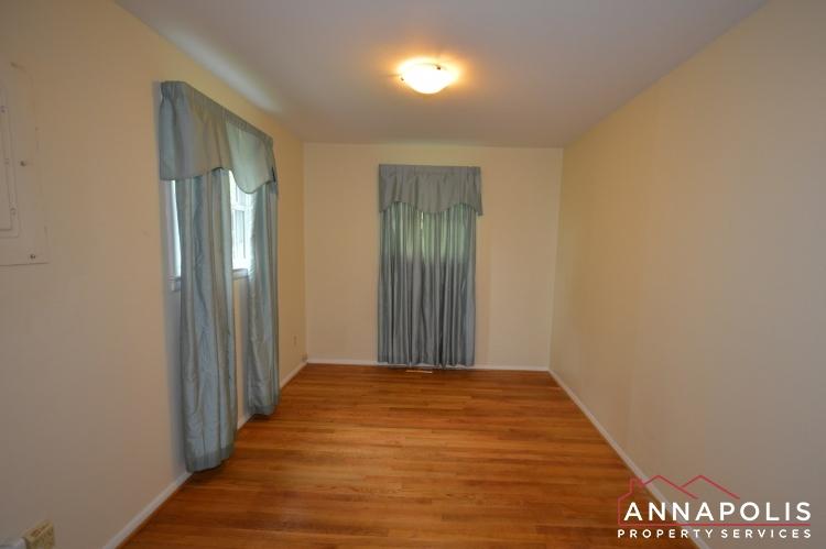 136 Washington Road-Bedroom 1b(1).JPG