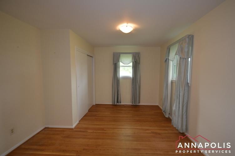 136 Washington Road-Bedroom 1c.JPG