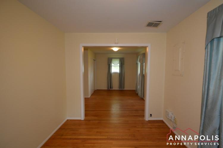 136 Washington Road-Bedroom 1d.JPG