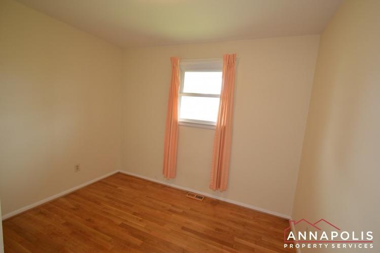 136 Washington Road-Bedroom 2a.JPG