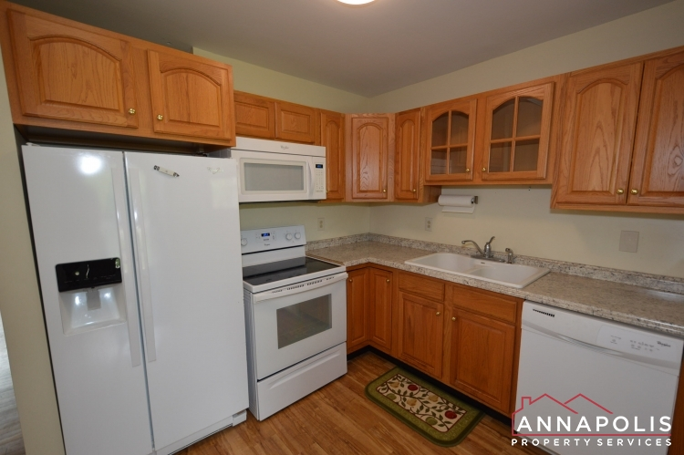 136 Washington Road-Kitchen b(4).JPG