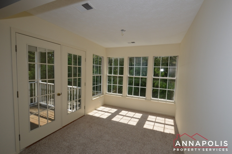 690 Southern Hills Dr-Sun room a.JPG
