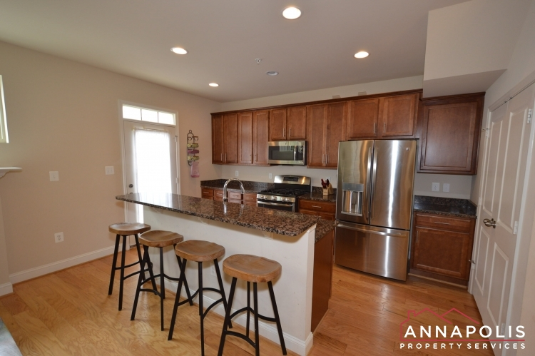 114 Vanguard Lane-Kitchen b(4).JPG