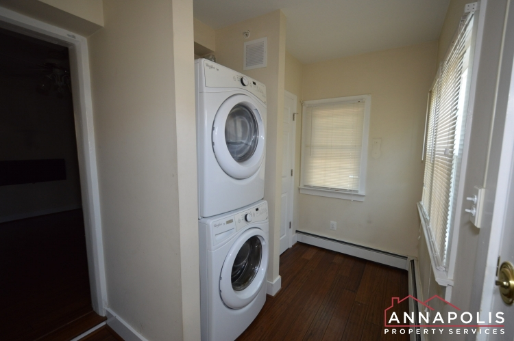 1201 West St #B-Washer and dryer(2).JPG