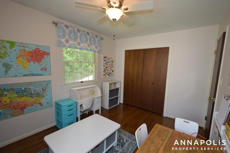 106 Giddings Ave-Bedroom 2b.JPG