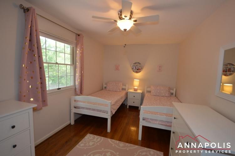 106 Giddings Ave-Bedroom 3a.JPG