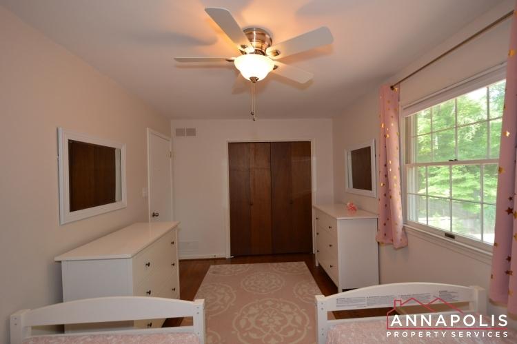 106 Giddings Ave-Bedroom 3d.JPG
