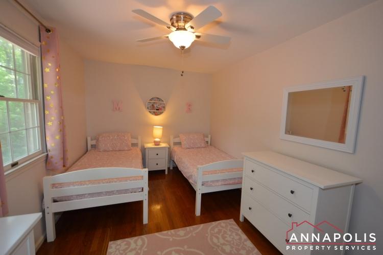 106 Giddings Ave-Bedroom 3f.JPG