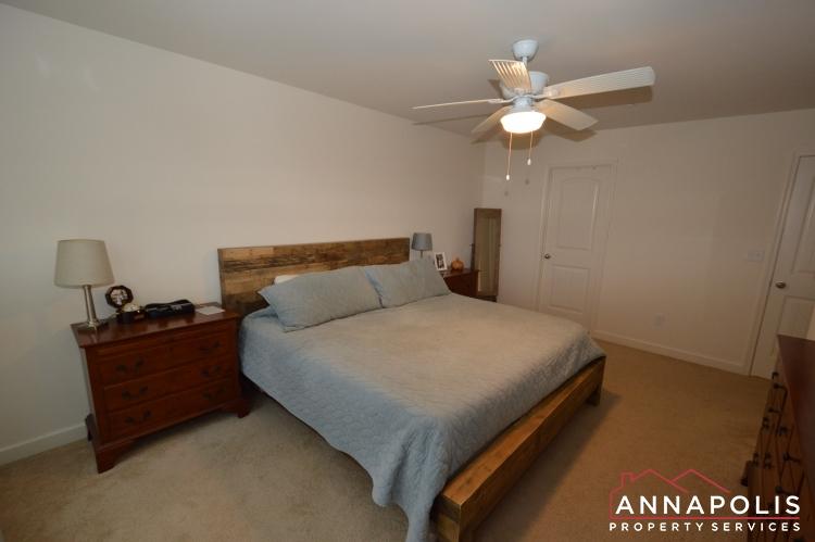 537 Kenmore Rd-Master bed b(3).JPG