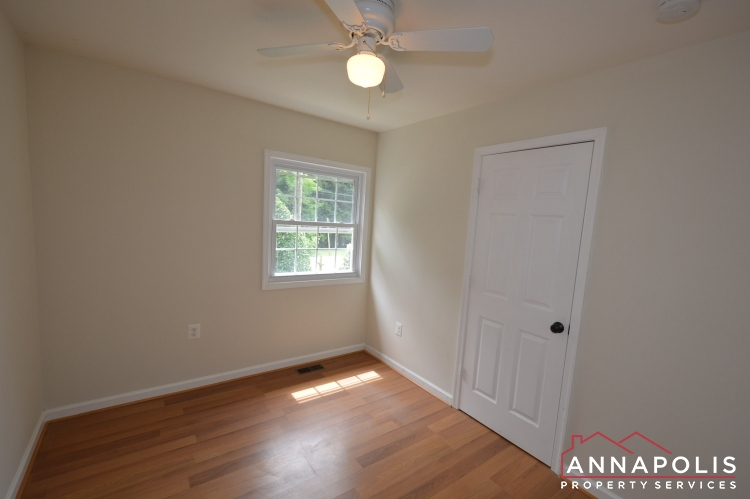 1858 Saint Margarets Road-Bedroom 3b.JPG