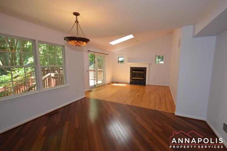 400 Duvall Lane-Family room bnn.JPG