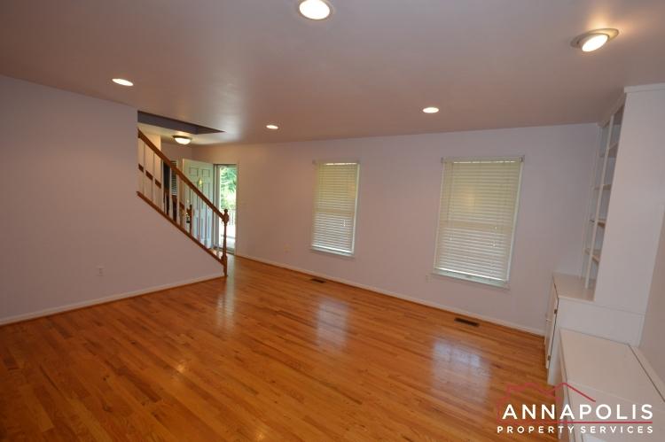 400 Duvall Lane-Living room dnn.JPG