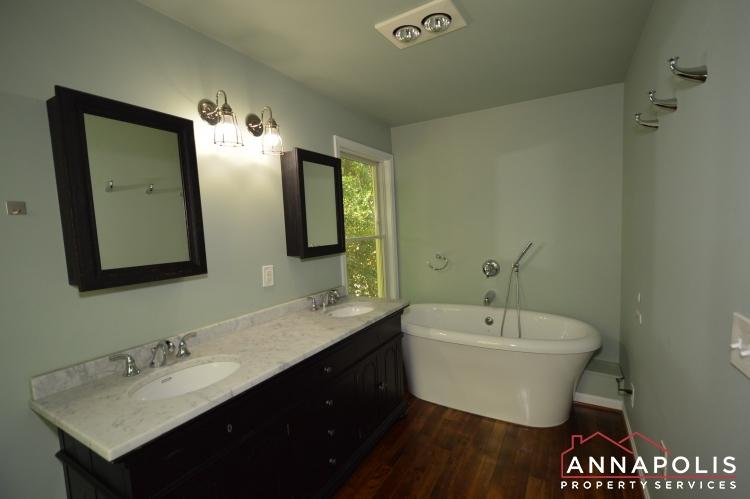 400 Duvall Lane-Master bath an.JPG