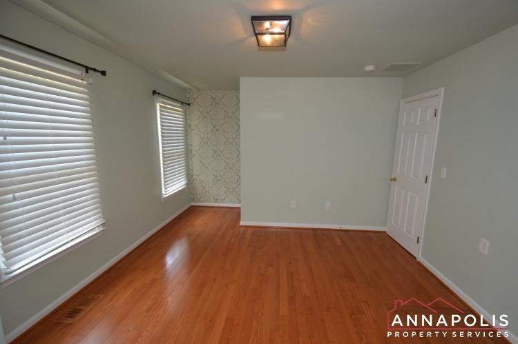 400 Duvall Lane-Master dressing area an.JPG