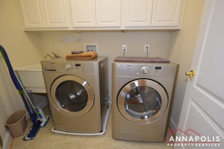 2305 Annapolis Ridge Court-Washer and dryer(2).JPG