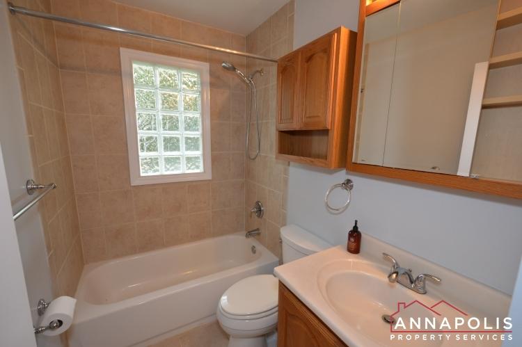 1404 Howard Road -bathroom an.JPG