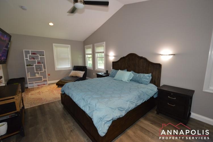 816 Maple Road-Master bedroom b.JPG