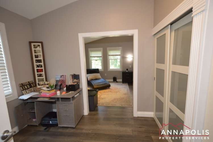 816 Maple Road-Master drerssing room a.JPG
