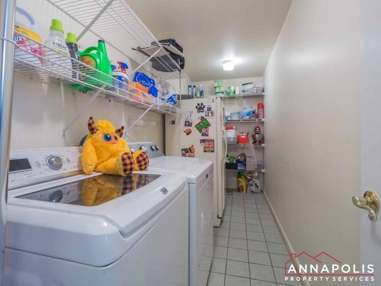 5 Somerset Court-Washer dryer.jpg