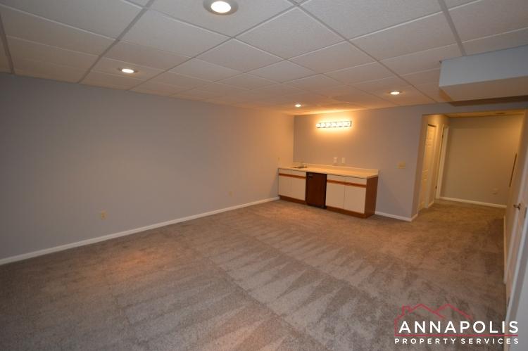 4 Tiburon Court-Family room b(1).JPG