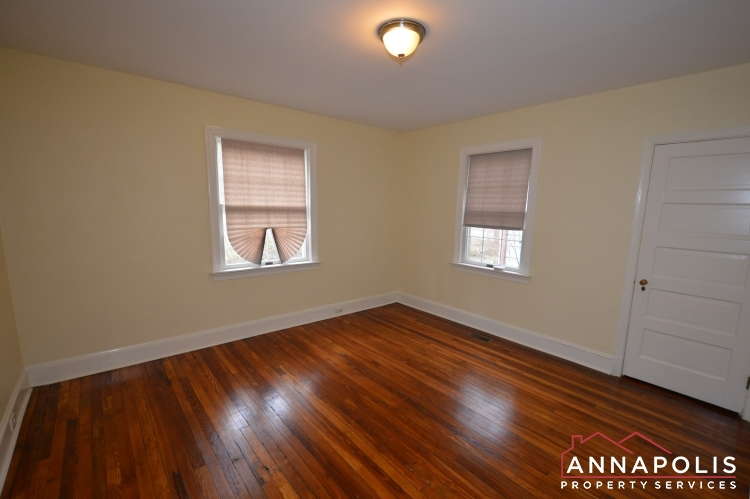 307 Old County Road-Bedroom 1an.JPG