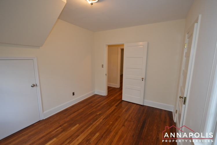 307 Old County Road-Bedroom 2bn.JPG