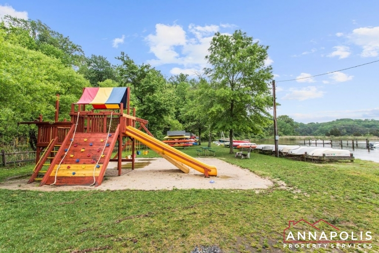 307 Old County Road-Community play area v1.jpg