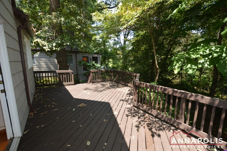 307 Old County Road-Deck a.JPG