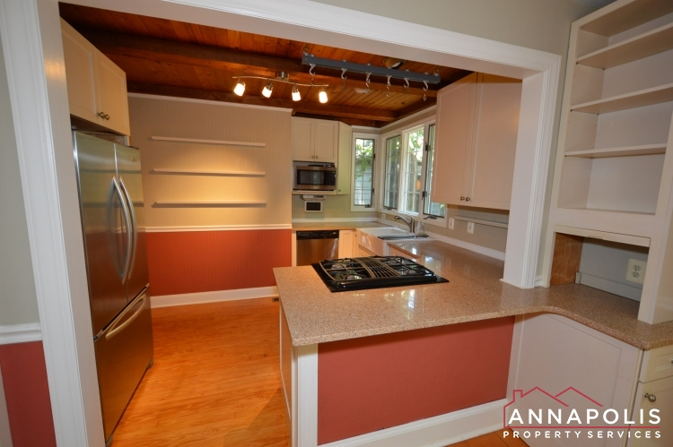 307 Old County Road-Kitchen a(1).JPG