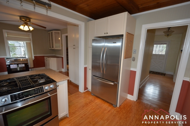 307 Old County Road-Kitchen cn.JPG