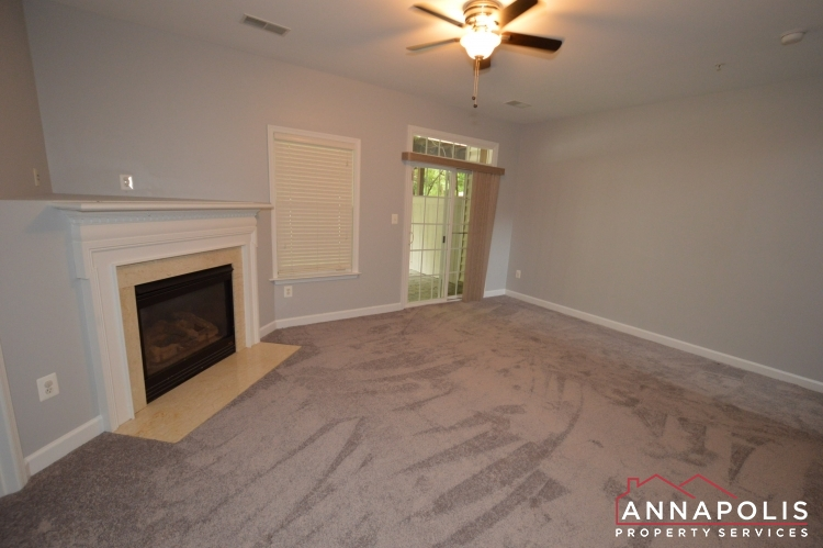 412 Penwood Drive-Family room b.JPG