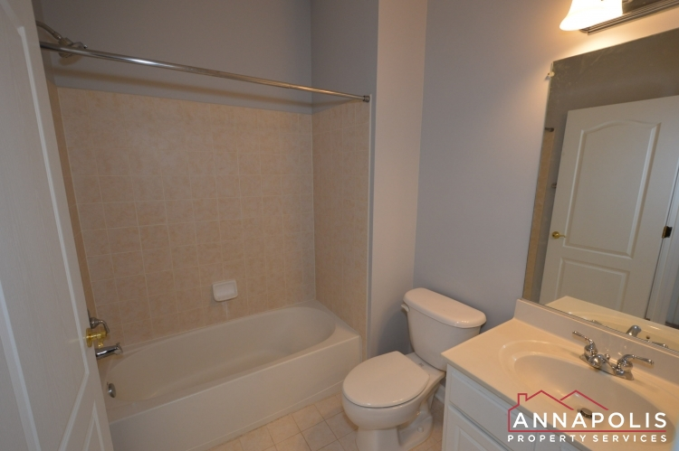 412 Penwood Drive-Upper bathroom.JPG