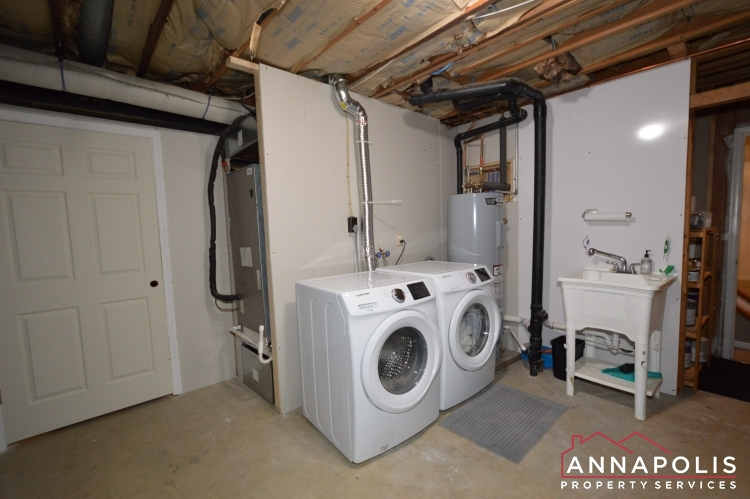 231 Chatham Lane-Washer and dryer(1).JPG