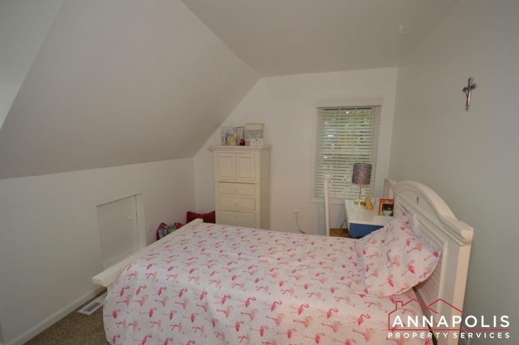 101 Great Oak Drive-Upper bed 2a.JPG