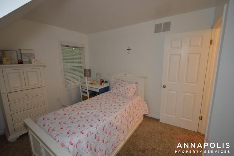 101 Great Oak Drive-Upper bed 2b.JPG