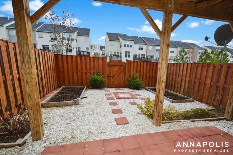 876 Nancy Lynn Lane-Back yard.jpg