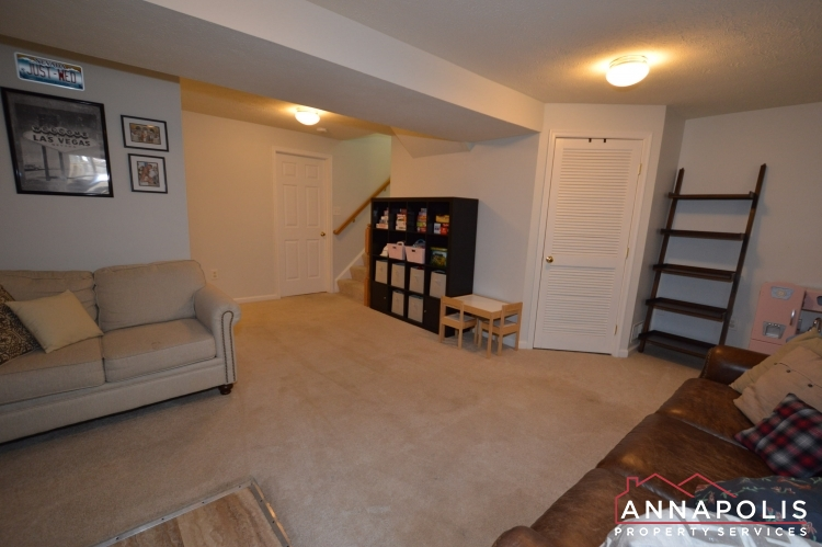 700 Pine Drift Drive-Family room b(1).JPG