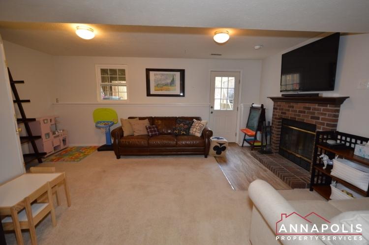 700 Pine Drift Drive-Family room c(1).JPG