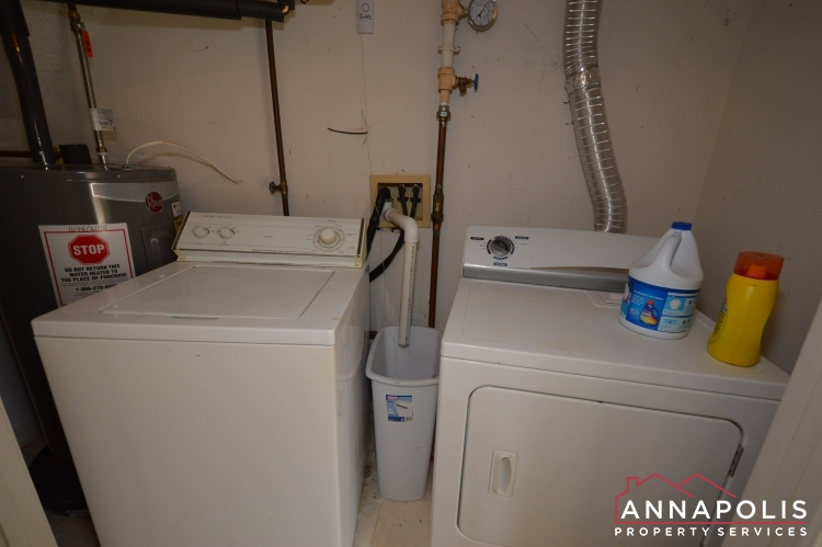 2110 Colonel Way-Washer and dryer(1).JPG