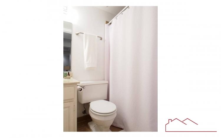 21 City Gate Lane-basement_bath.jpg