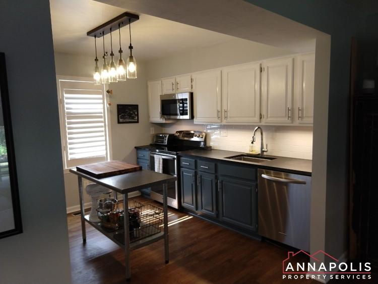 21 City Gate Lane-kitchen.jpg