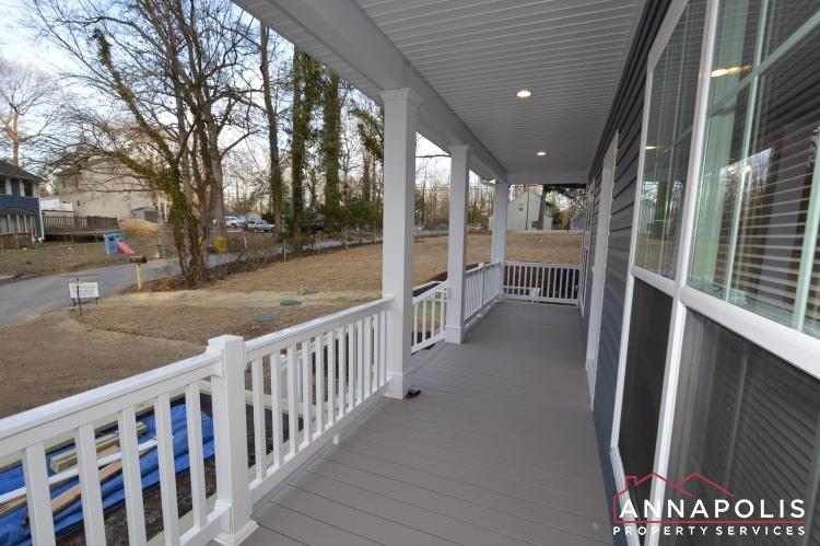 409 Serpentine Road-Porch b.JPG