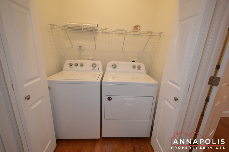 409 Serpentine Road-Washer and dryer(1).JPG