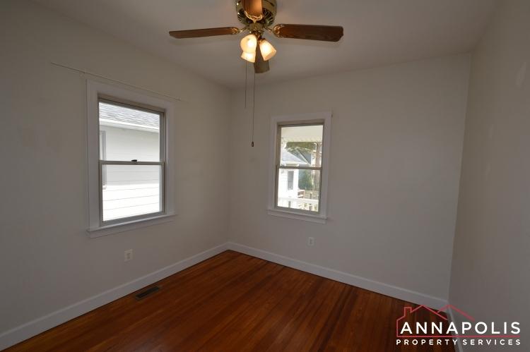 117 Smith Ave Unit A-Bedroom 2a(3).JPG